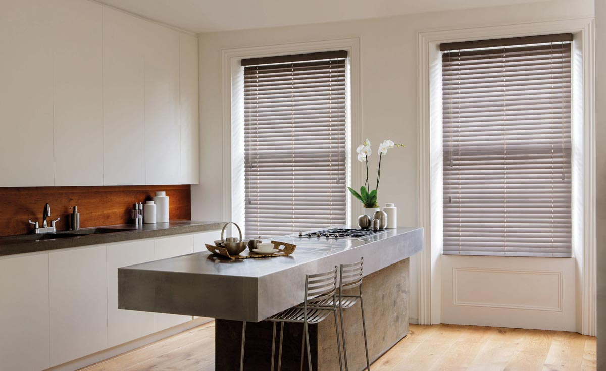 Roller senses window blinds in a kitchen